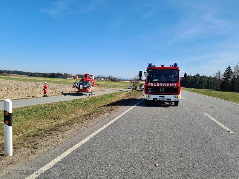 Verkehrsnotdienst/ Rettungsspreizer vom 30.03.2021  |  (C) Feuerwehr Plößberg (2021)